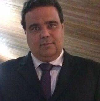 Dr. Anderson Almeida Araujo