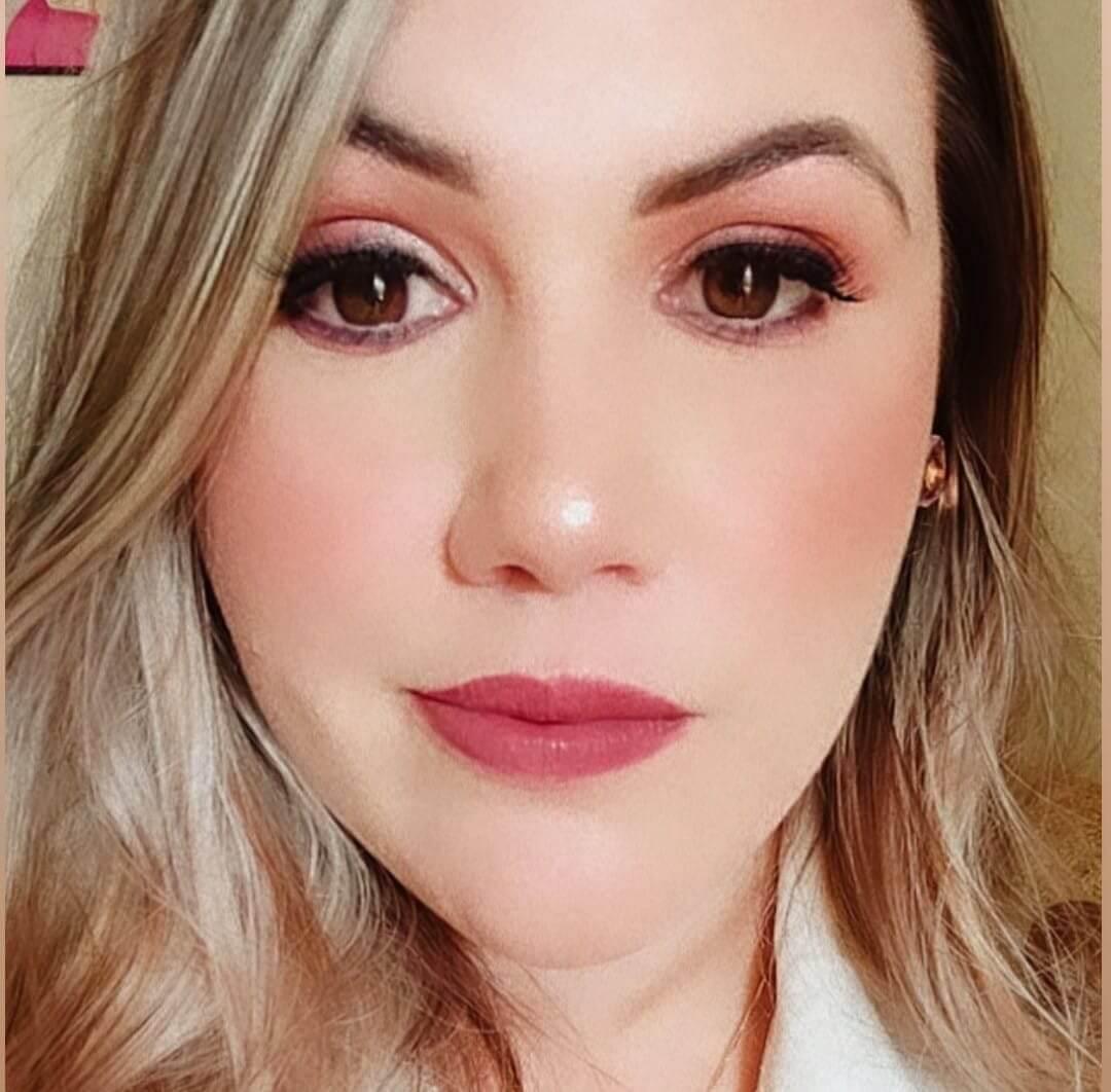 Dra. Aline Campos