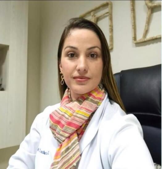 Dra. Caroline Stefani de Mattos Queiroz