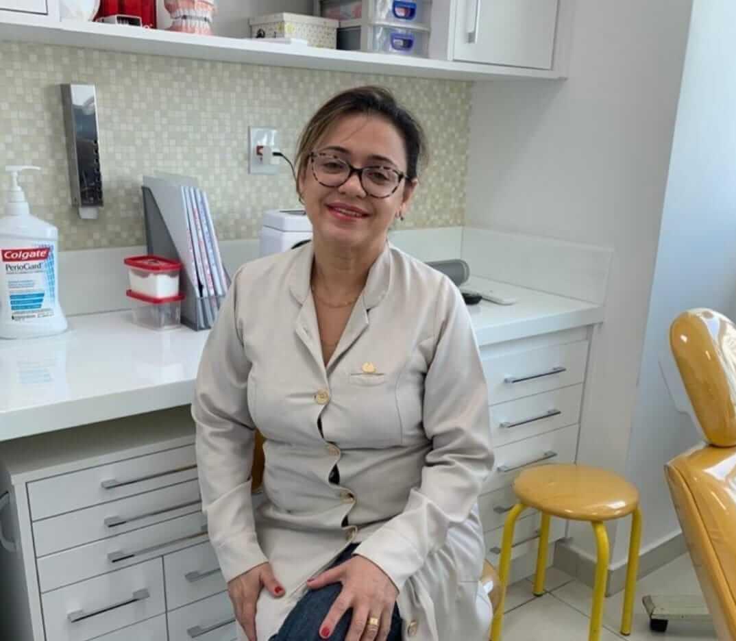 Dra. Claudia Tavares