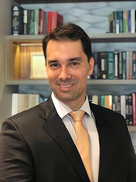 Dr. Lymark Kamaroff