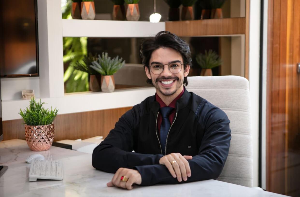 Dr. Josué Sagário