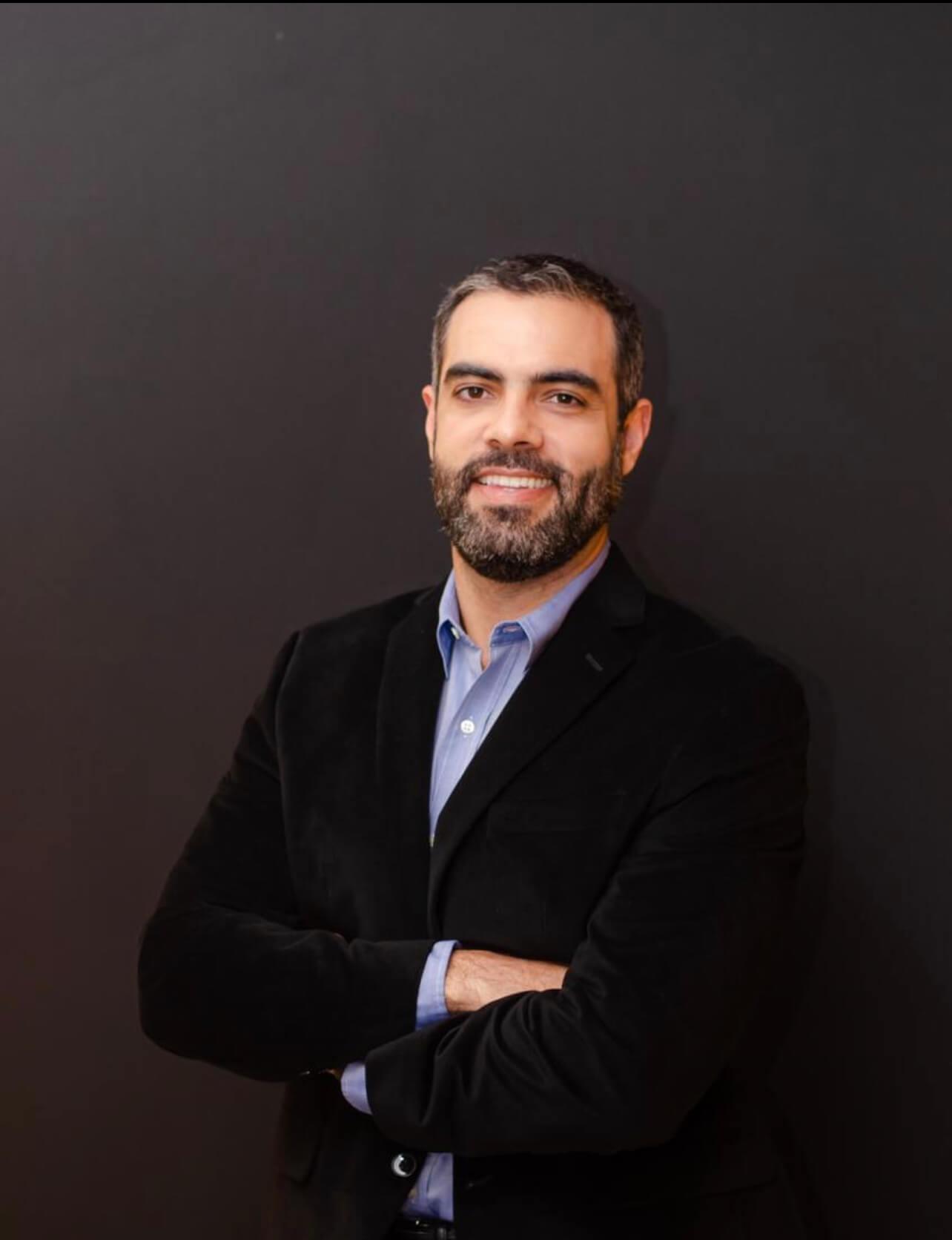 Dr. Aluísio Marino  Roma