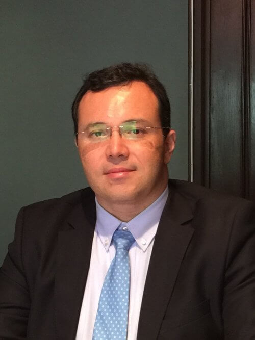Dr. Márcio O. Lucas