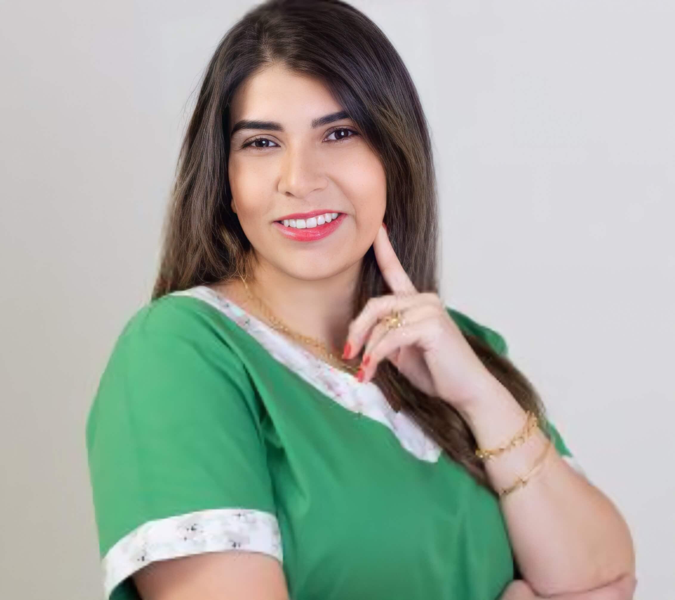 Dra Letícia de Souza Thomazine Martins
