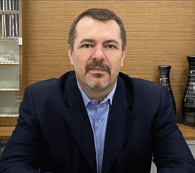 Dr. Alexandre Cesar Jahn