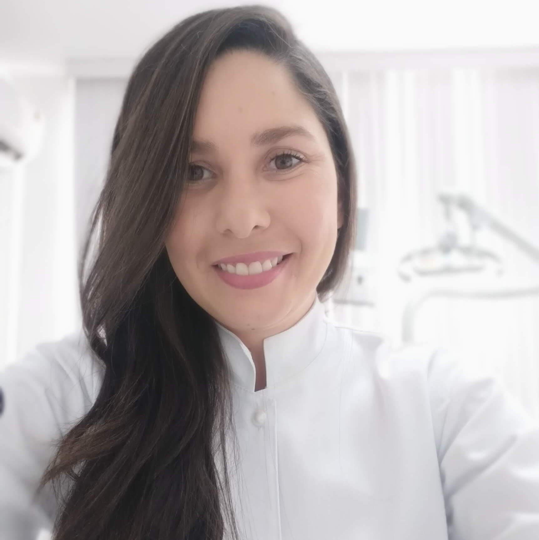 Dra. Mariane Freitas