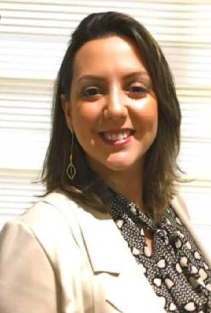 Dra. Renata Moura