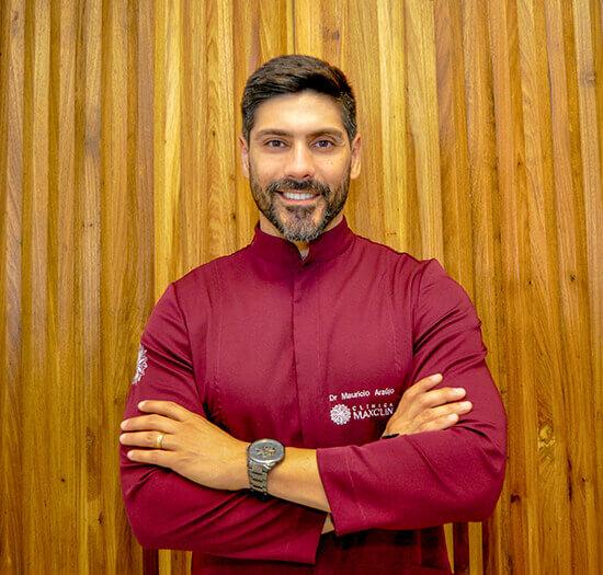 Dr. Mauricio Araujo