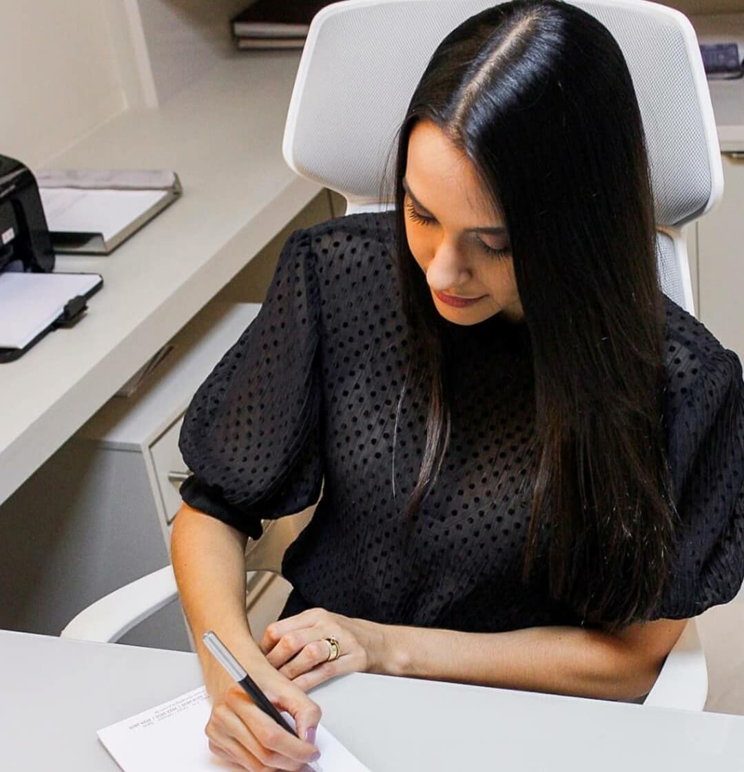 Dra. Renata Martins