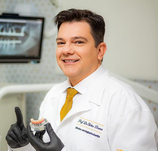 Dr. Cleber Brene