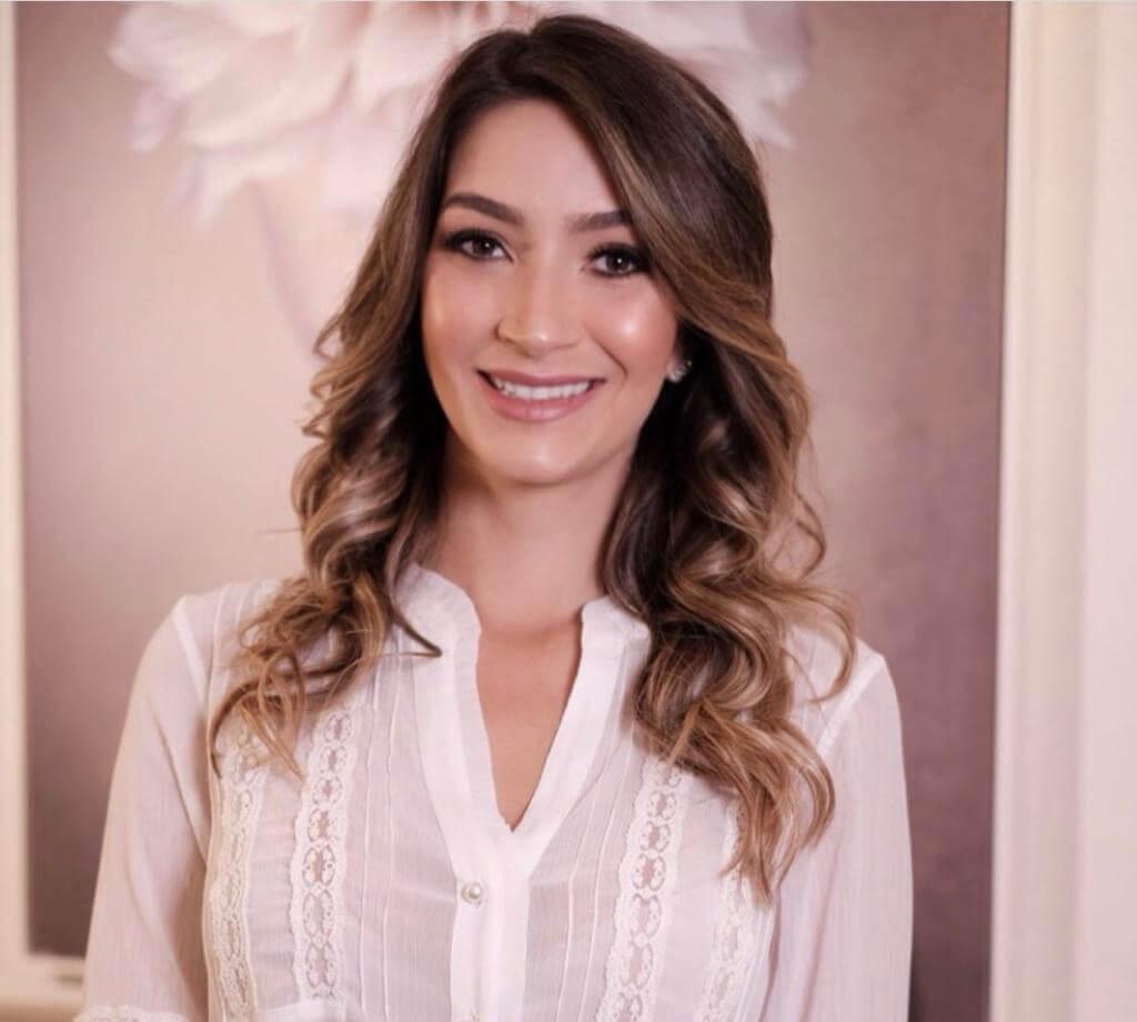 Dra. Amanda C. Moreira