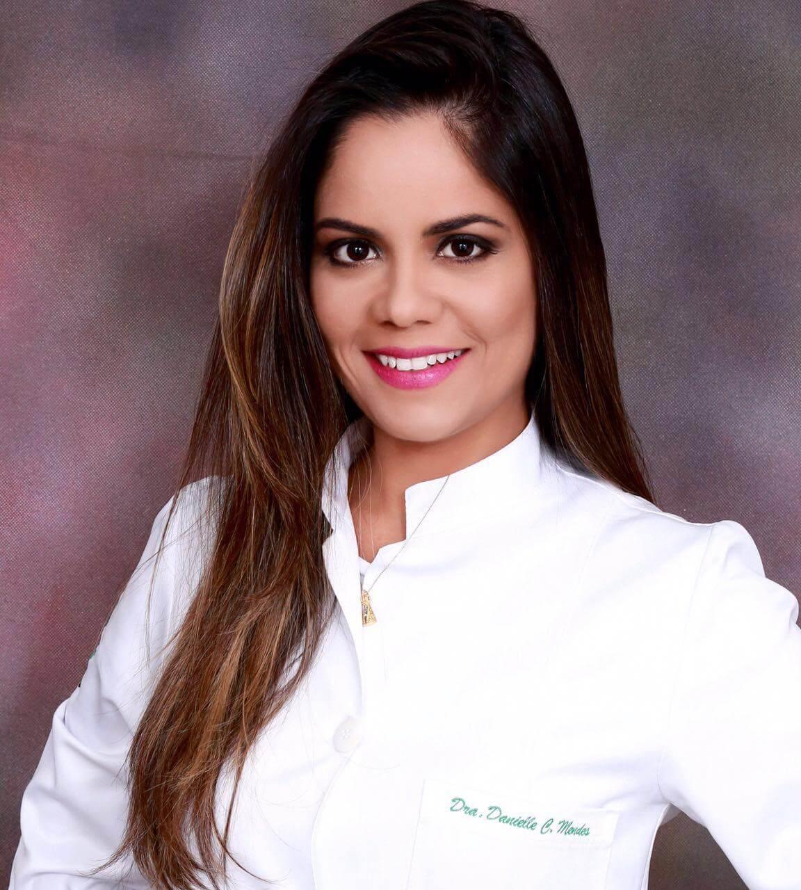 Dra. Danielle Mendes