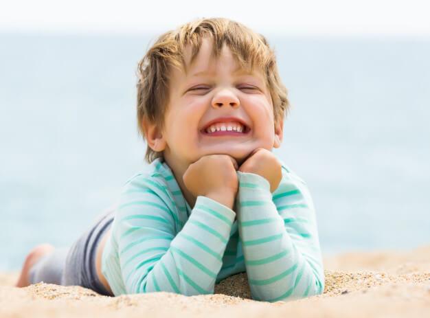 Cinco Segredos para manter a cárie bem longe do seu filho